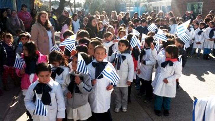 Actos escolares: de túnica pese al frío
