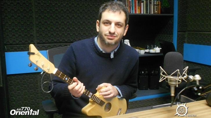 Las guitarras uruguayas que se venden en el MoMA: Entrevista con Rafael Atijas, creador de las <em>loog guitars</em>
