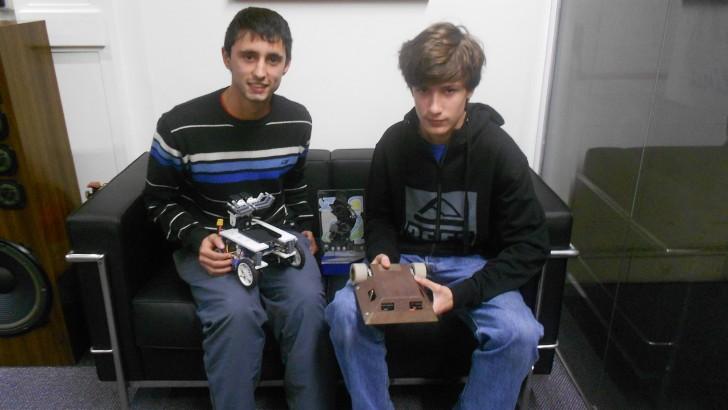 Jóvenes uruguayos viajan a China en busca de su segundo título en el mundial de robótica