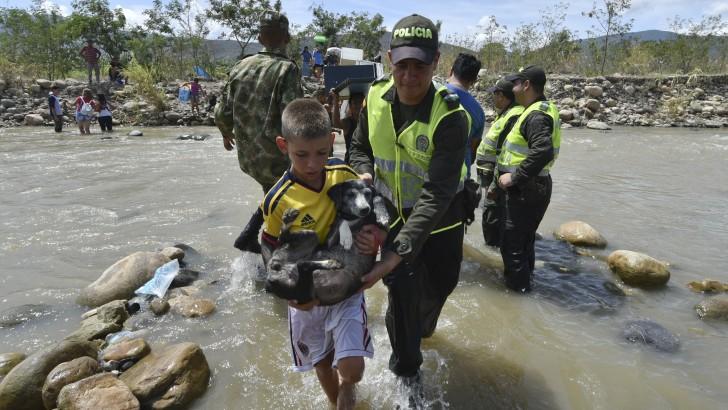 Colombia-Venezuela: Crisis en la frontera y un millar de deportados