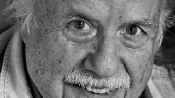 Feria del Libro de San José rinde homenaje a Carlos Maggi