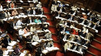 Régimen laboral de los parlamentarios uruguayos