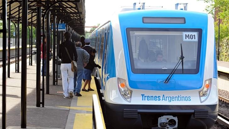 Recorriendo Buenos Aires en los flamantes trenes de la línea Mitre