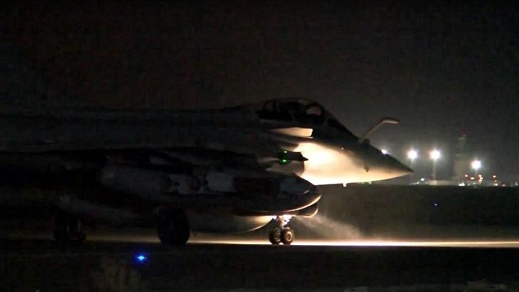 Atentados en París: Francia responde con bombardeos al Estado Islámico en Raqa, Siria