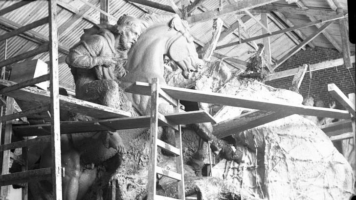 <em>Fotogalería</em><br>El hallazgo de los Grompone en Tristán Narvaja