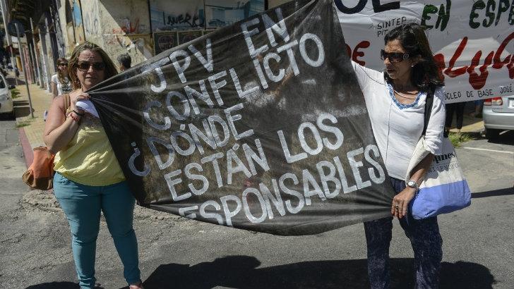 Colegio José Pedro Varela: Cierre en suspenso