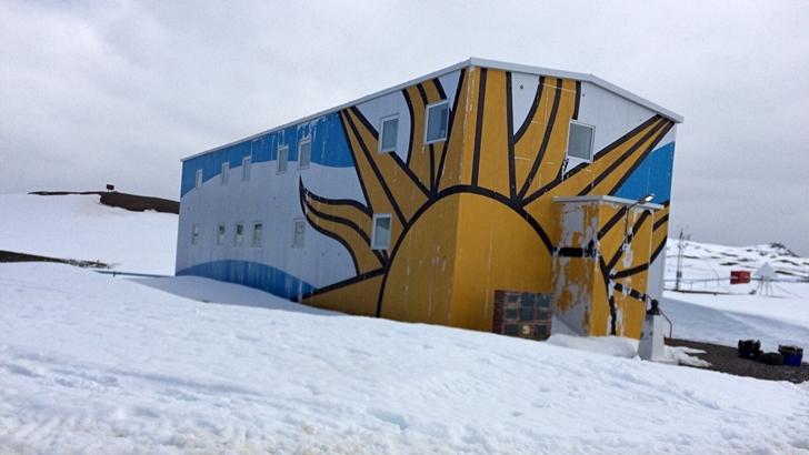 Viaje a la Base Artigas, un espacio uruguayo dedicado a la investigación y al desarrollo científico en la Antártida