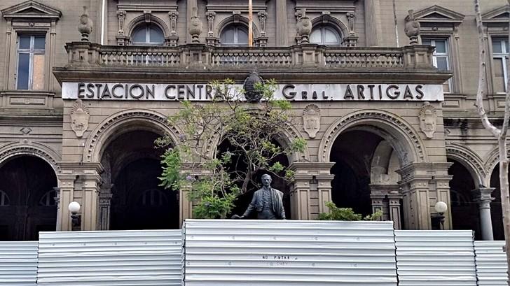 ¿Qué ocurre con la estación de trenes General Artigas?