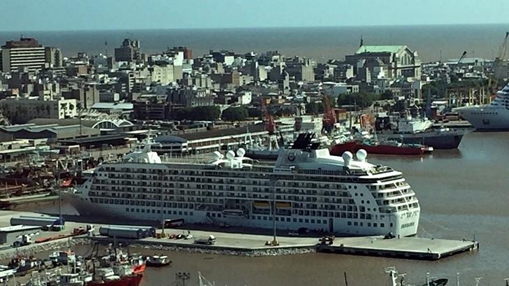 """Crucero The World, el """"barco de los millonarios"""", visitó Montevideo"""