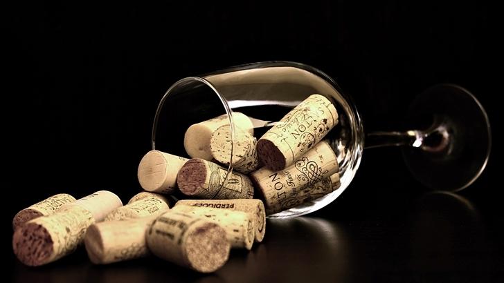<em>Concurso de cuentos</em><br><em>Cuentos con vino</em>, la consigna para el mes de marzo