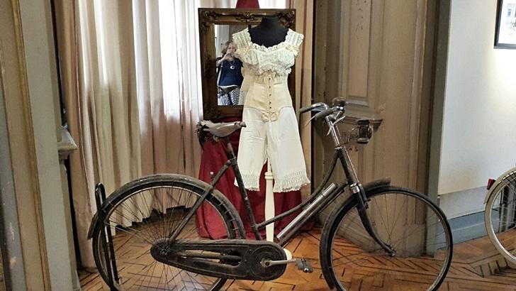 Inauguran muestra sobre la bicicleta y la lucha por la igualdad de género