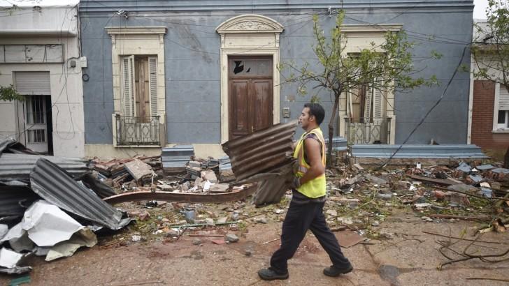 <em>Tornado en Dolores</em><br>Darío Klein: «La sorpresa de ver algo así en nuestro país»