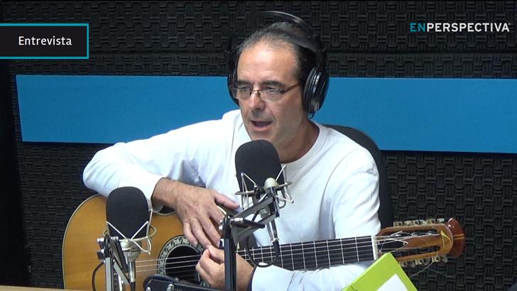 Jorge Fandermole, autor de culto de la música popular argentina, en sus primeras incursiones por Montevideo