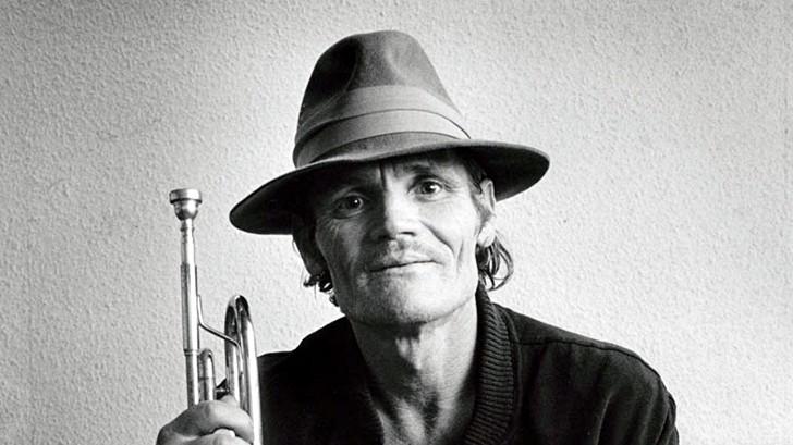 Chet Baker: La vida del legendario trompetista convertida en <em>biopic</em> con Ethan Hawke