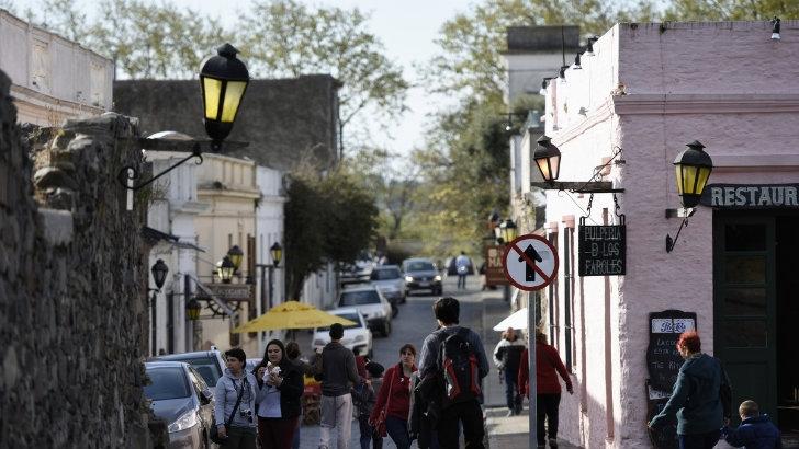 <em>Turismo</em><br> Colonia recupera visitantes argentinos, brasileros y europeos
