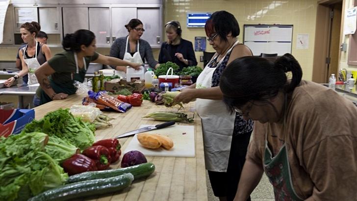 <em>La Columna Itinerante</em><br>Alimentación y consumo responsable en Francia, Perú y Canadá