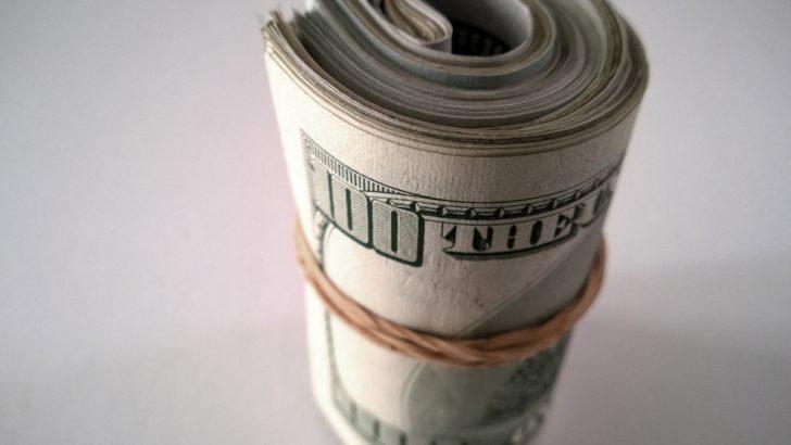 El dólar sigue bajando: ¿Cuán fuerte es la caída en relación a lo que se observa en el resto del mundo?