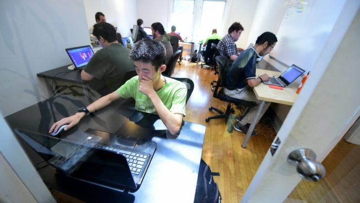 <em>Ventana al Futuro</em><br><em>Hackatones</em>, una forma cada vez más popular de encontrar soluciones tecnológicas