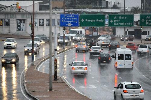 <em>Tránsito</em><br>Tras aprobar unificación de multas, intendentes avanzan hacia la libreta única