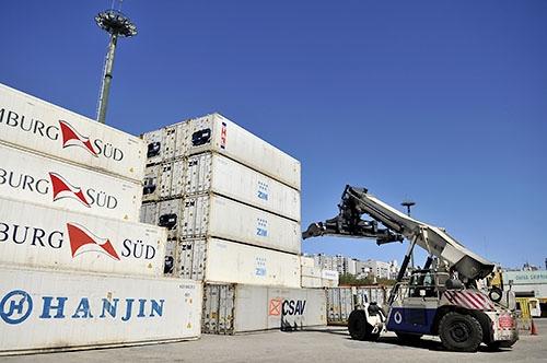 """<em>Uruguay avanza en TLC con China y Reino Unido</em><br>""""El Mercosur está quedando aislado del comercio internacional"""", dice experto"""