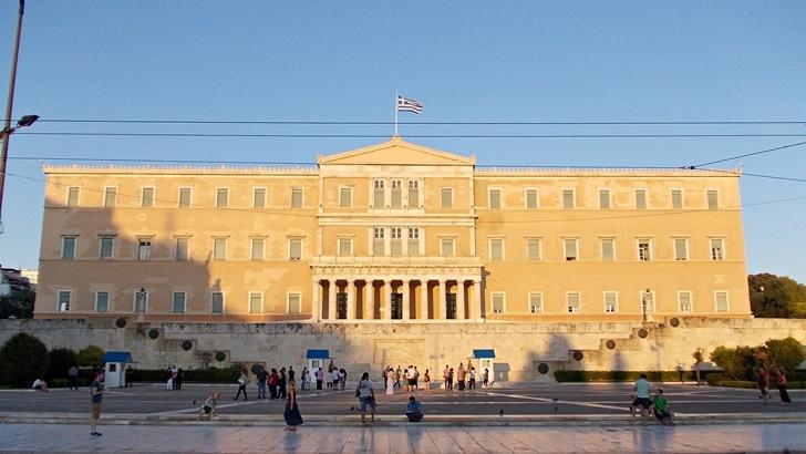 Grecia, entre la crisis económica y el drama de los refugiados