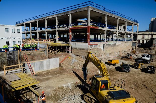 ¿Hay prospección arqueológica en la obra del edificio de CAF?