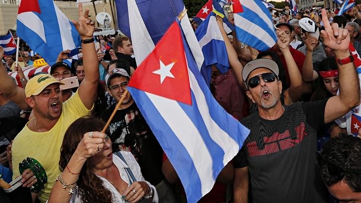 Nada detiene la fiesta de los exiliados cubanos en Miami