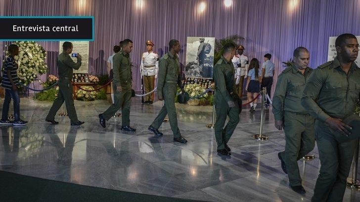 """Tras la muerte de Fidel Castro, su entorno """"tendrá menos peso"""" en el proceso de transición que comenzará en 2018 con la salida de Raúl Castro, opina el sacerdote Luis del Castillo"""
