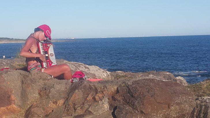 <em>Golpe de vista</em><br>On the rock