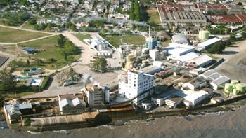 <em>Juan Lacaze</em><br>Autoridades apuestan a reactivar el parque industrial y el puerto para recuperar fuentes de trabajo