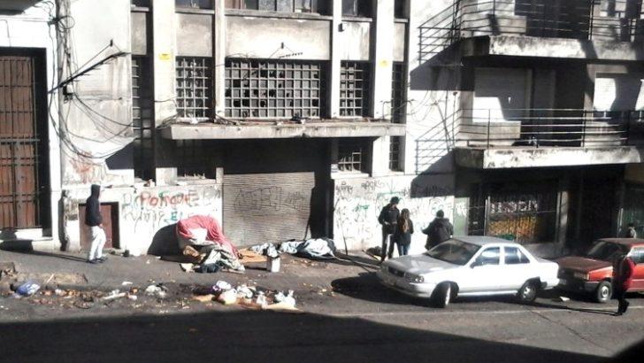 Vecinos del Centro siguen reclamando traslado de refugio del Mides