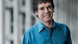 Fernando Cabrera canta y conversa en el Auditorio Adela Reta
