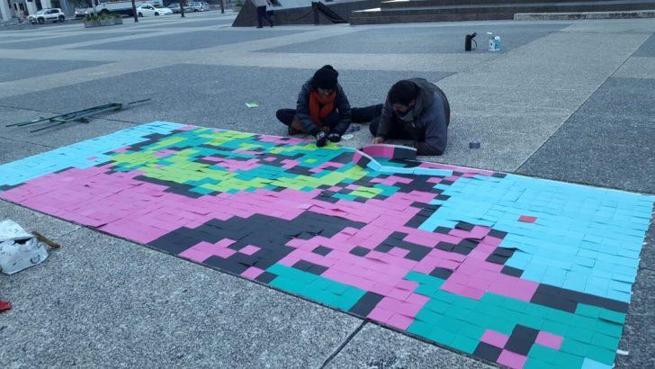 Arman «mosaico» del rostro de Artigas en la Plaza Independencia