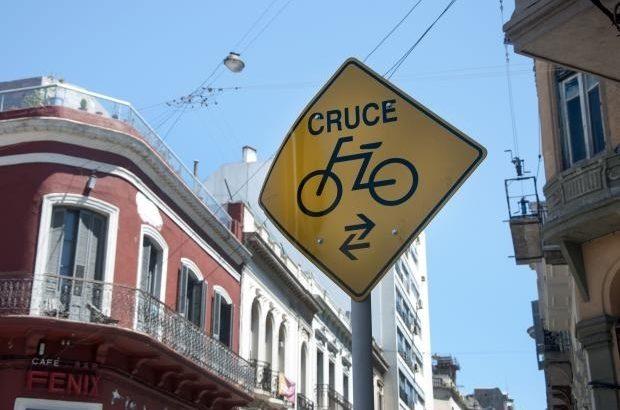 «Cada vez hay más gente promoviendo el uso de la bicicleta», explica Gustavo Isuz de Ciclovida