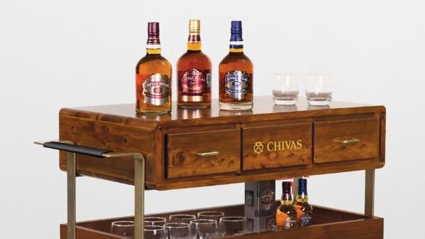 Montevideo Shopping regala 14 bares Chivas Regal