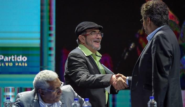 Desde Colombia: FARC ya han adquirido «los vicios» de cualquier partido político, dice analista política Laura Gil