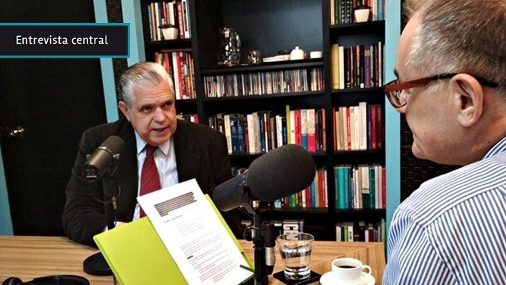 """Gobierno de Macri debió """"abandonar el régimen populista de forma más tajante, veo riesgos en su estrategia gradualista"""", dice economista López Murphy"""