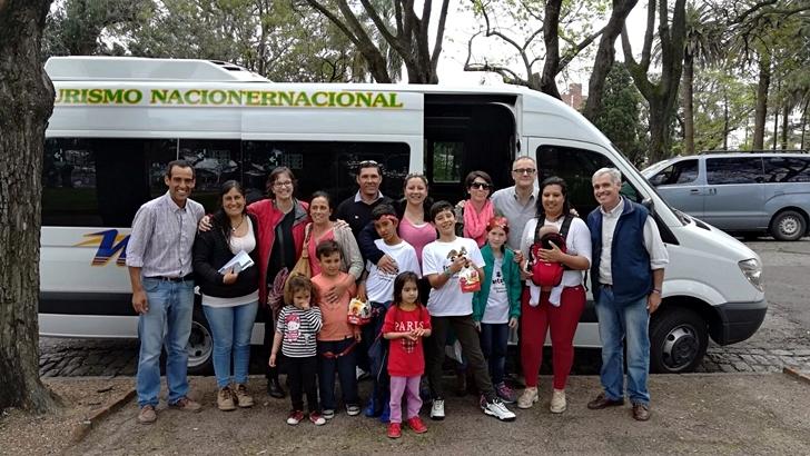 La recorrida por Montevideo de los niños de la escuela rural de Paysandú