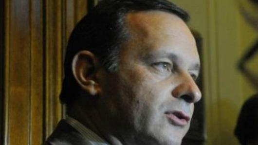 """Negociaciones con UPM: """"Desde mayo reclamamos información al Gobierno"""", dice senador Delgado (PN)"""