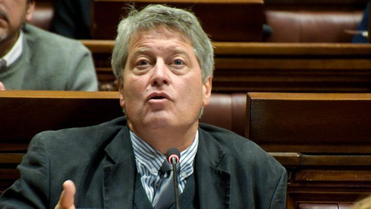 «Si el proyecto no se modifica, no sale», dice senador Michelini (FA)