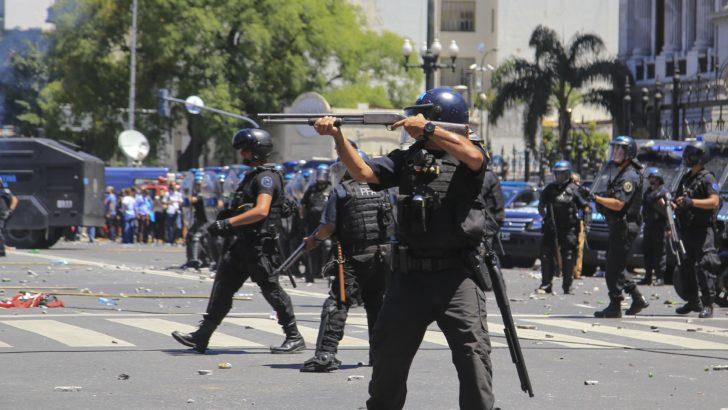 """Incidentes en Argentina: """"Fue una verdadera batalla campal que salió barata"""", dice corresponsal en Buenos Aires"""