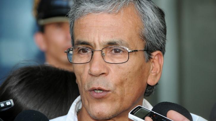 Cincuentones: «Debemos construir una salida y me parece que esa posibilidad existe», dice Castillo (PC-FA)