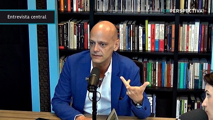 """Europa contra las """"noticias falsas"""": """"<em>Fake news</em>"""" son un asunto """"policéntrico, y por lo tanto mucho más complicado de controlar"""", dice Rafael Mandressi"""