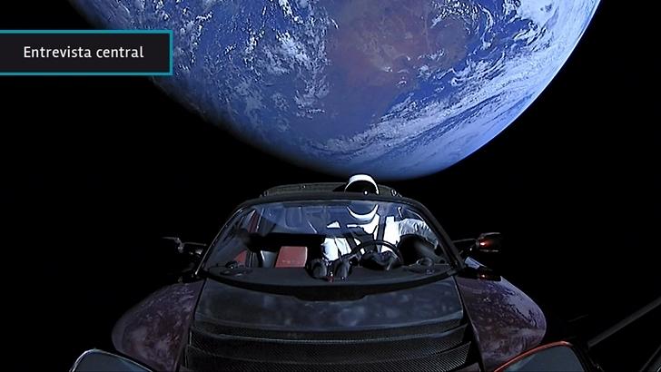 """Falcon Heavy: """"Ahora hay otra carrera [espacial]. No es entre EEUU y Rusia sino entre millonarios"""", dice uruguaya asesora de la Federación Internacional de Astronáutica"""