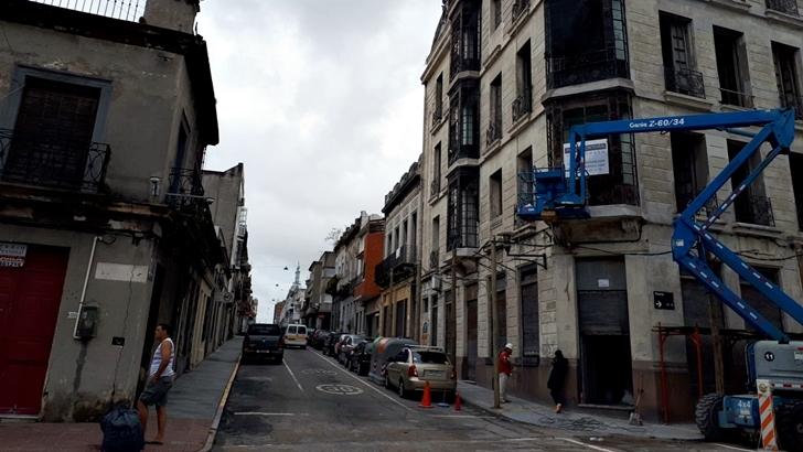 Restauración del edificio de Maciel y Piedras en Ciudad Vieja