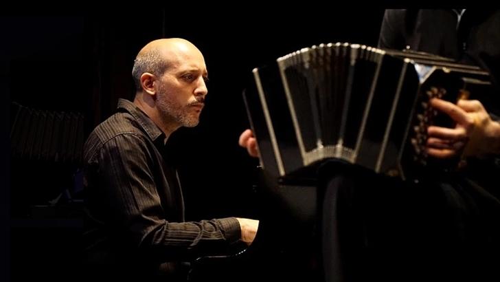 Eduardo Rivero sobre el recital del «extraordinario» Quinteto Astor Piazzolla en el Solís
