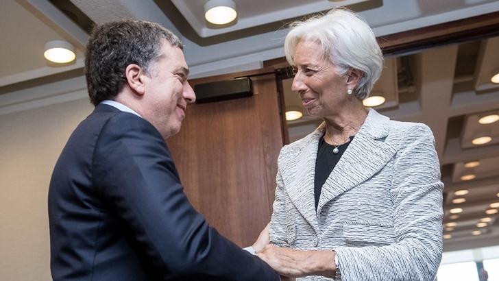 """Macri """"desconoció por completo los desequilibrios heredados del kirchnerismo; no solo eso, los profundizó en una actitud osada"""", dice economista argentino José Luis Espert"""