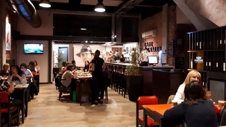 Café Tribunales cambió Plaza Cagancha por Plaza Independencia
