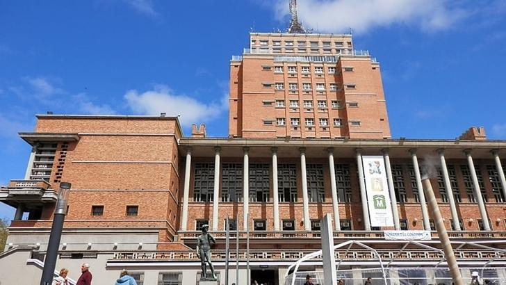 ¿Por qué las obras en Montevideo demoran más que en San Petersburgo?