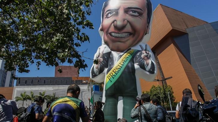 El candidato brasileño de ultraderecha Jair Bolsonaro se recupera en Terapias Intensivas tras recibir una puñalada